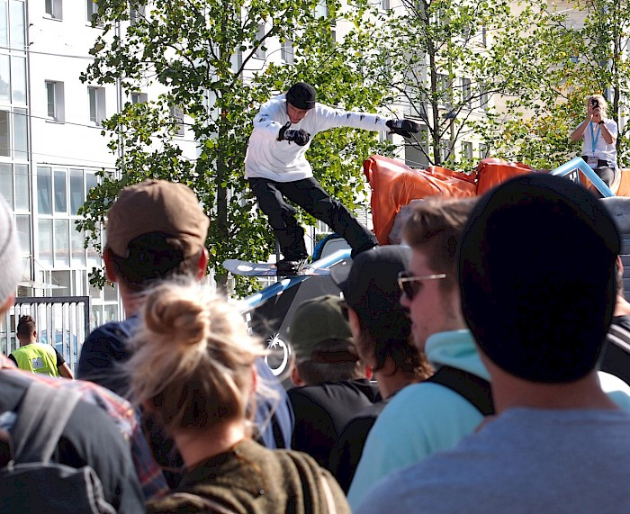 Simon Pircher siegt beim Jib City Contest in Wien -